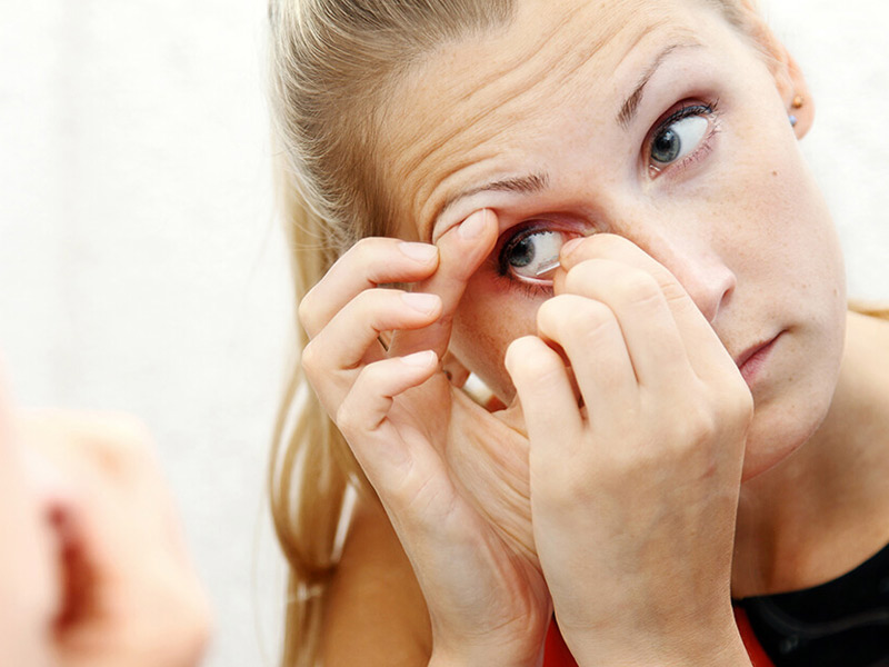 Removing Contact lenses
