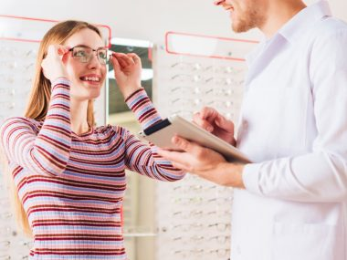 Mistakes to Avoid Before Buying Glasses from Eyecare Professional